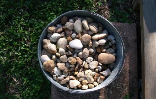 Bucket_of_stones
